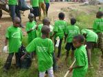 Hope for poor and sick - community cleaning of Nairobi 2